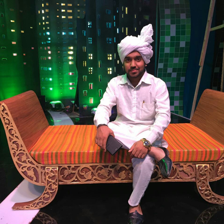 Neeraj Kaushik Desi Kalakar