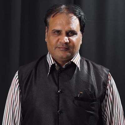 Amit Kumar (Mudir Khan)